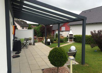 Aluminium Terrassenüberdachung Seitenansicht